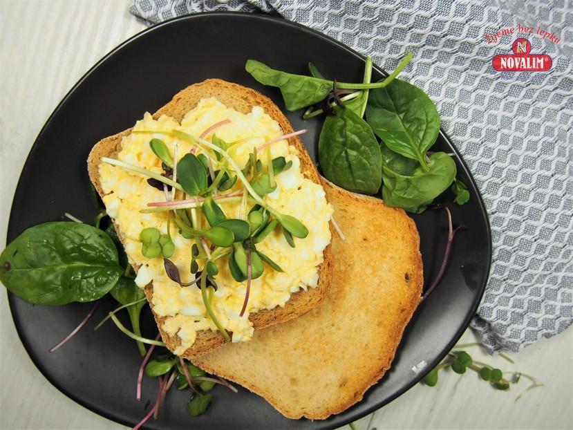 vajíčková nátierka na bezlepkovom toaste